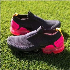 🌸MAKE YOUR OFFER🌸 Nike Air Vapormax Flyknit Moc